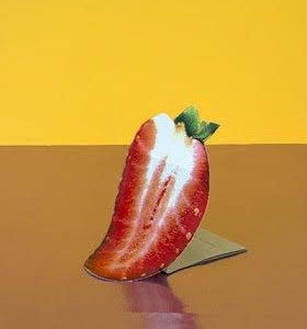 Vilde_Rolfsen_-_Standing_Strawberry_1